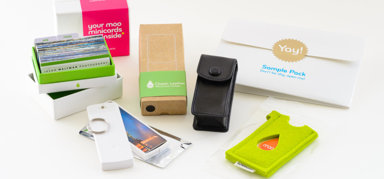 200 MOO MiniCards, 3 MiniCard cases, and the MOO sample pack