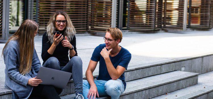 Top 5 des bonnes questions à se poser pour trouver la bonne école de webmarketing